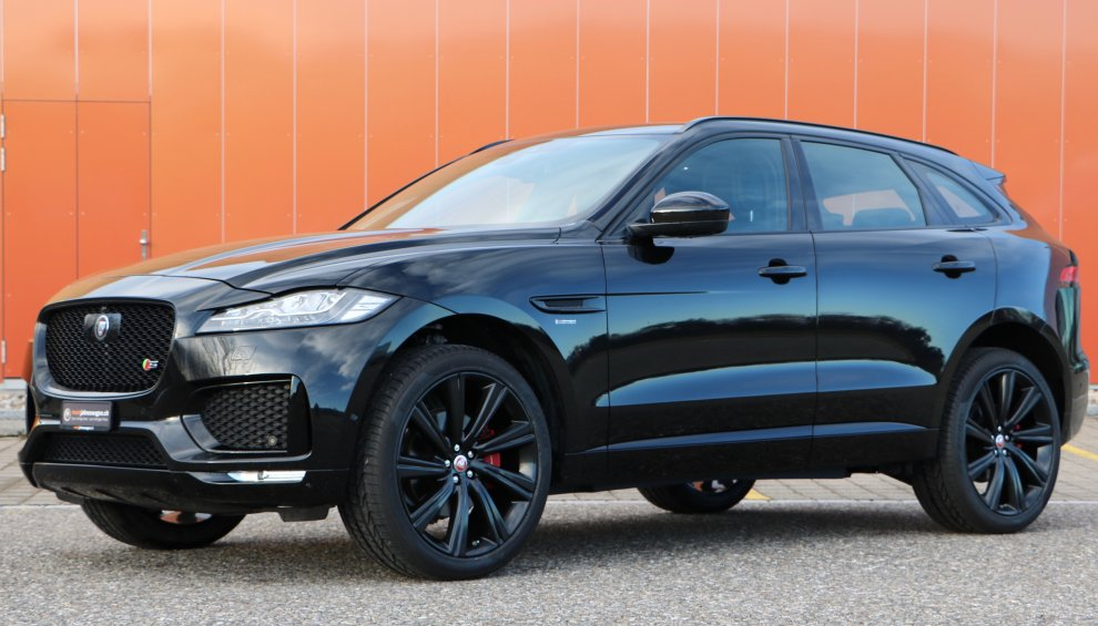 Jaguar F-Pace 3.0 V6 S First Edition